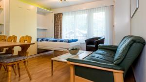 Haus Aristella, Apartments  Saas-Fee - big - 42