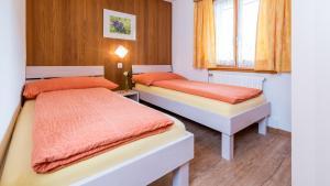 Haus Belle-Vue, Apartmány  Saas-Fee - big - 21