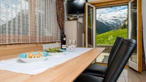 Haus Belle-Vue, Apartmány  Saas-Fee - big - 9