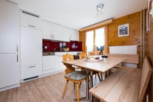 Haus Belle-Vue, Apartmány  Saas-Fee - big - 3
