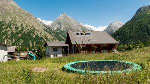 Haus Belle-Vue, Apartmány  Saas-Fee - big - 40
