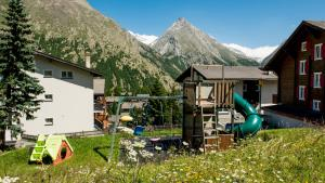 Haus Belle-Vue, Apartmány  Saas-Fee - big - 39