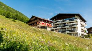 Haus Belle-Vue, Apartmány  Saas-Fee - big - 60