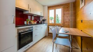 Haus Belle-Vue, Apartmány  Saas-Fee - big - 37