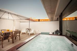 Master Suite by Aveiro City Lodge