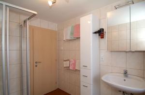 Gästehaus Wanker, Guest houses  Ehrwald - big - 7