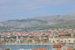 Apartment Lea, Apartmány  Trogir - big - 12