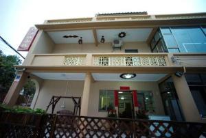 Haicheng Inn