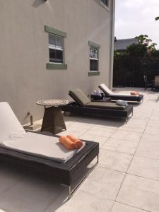 陽光景公寓 (Sunview Condos)