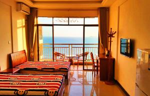 Napianhai Holiday Hostel