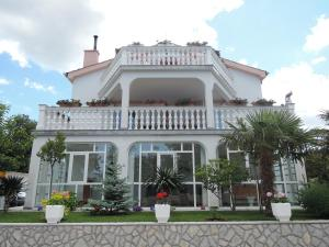 Zora's Apartments, Appartamenti  Malinska - big - 1