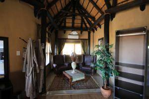Lapa Lange Game Lodge, Лоджи  Mariental - big - 11