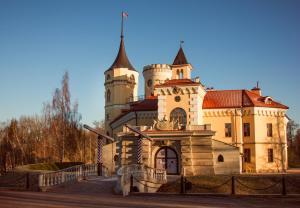 Отель Замок БИП, Павловск