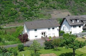 Haus Flora - Ferienwohnungen