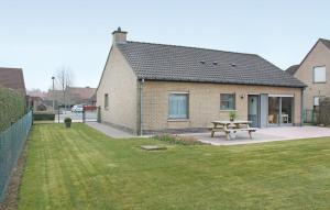 Two-Bedroom Holiday home Diksmuide 04