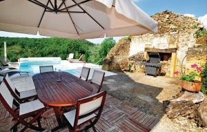 Three-Bedroom Holiday home Valojoulx with a Fireplace 04