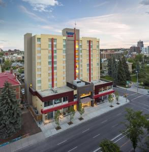 Sobre Fairfield Inn & Suites Calgary Downtown (Fairfield Inn & Suites Calgary Downtown)