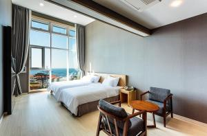 Rich Hotel, Hotels  Jeju - big - 11