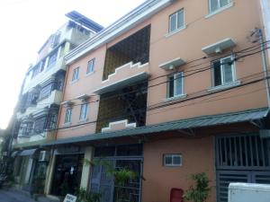 St. Maximillian Apartment Rentals