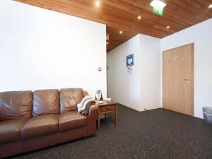 Kef Guesthouse at Grænásvegur, Bed & Breakfasts  Keflavík - big - 40