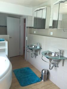 Appartement Badische Weinstrasse, Apartments  Baden-Baden - big - 13