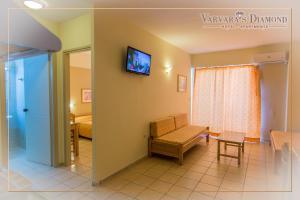 Varvaras Diamond Hotel, Apartmanhotelek  Platanész - big - 12