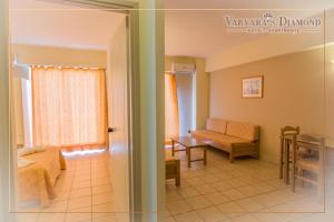 Varvaras Diamond Hotel, Apartmanhotelek  Platanész - big - 11