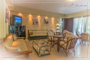 Varvaras Diamond Hotel, Apartmanhotelek  Platanész - big - 28