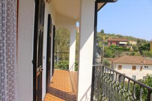 House in Caramagna, Apartments  Imperia - big - 38