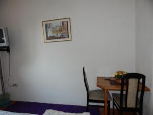 Guest House Alibi