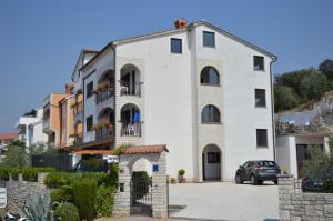 Upper Sea View Apartments