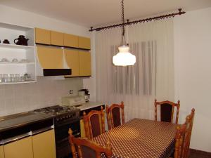 Apartment Ela, Apartmanok  Povljana - big - 36