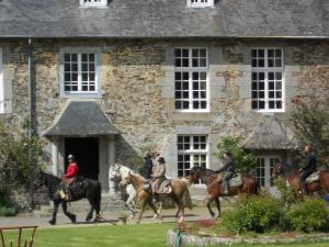 Le Logis d'Equilly, Отели типа «постель и завтрак»  Équilly - big - 21