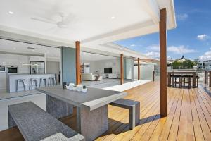 Capri Waters Holiday Home - Surfers Paradise, Queensland, Australia