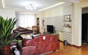 (Xiangrui Family Apartment 1)