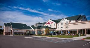 Nearby hotel : Hilton Garden Inn St. Louis Airport
