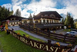 Almhotel Schönmoosalm - Hotel - Krimml