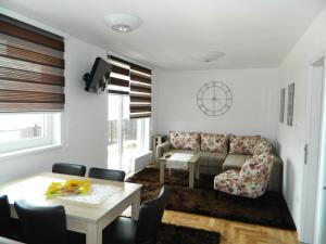 Elma Apartment