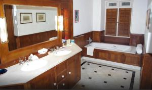 Neemrana's- Le Colonial, Hotels  Cochin - big - 2