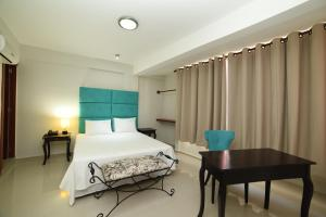 Hatfield Casa Hotel