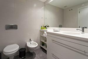 Feels Like Home - Castelo View Apartment at Martim Moniz, Апартаменты  Лиссабон - big - 8