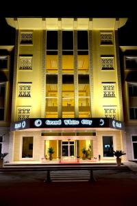 Grand White City Hotel, Hotels  Berat - big - 1