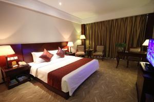 Фото отеля Haiyang Hotel