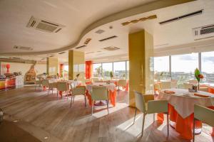 Hotel Waldorf- Premier Resort, Hotely  Milano Marittima - big - 90