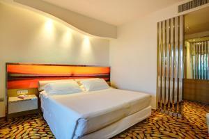 Hotel Waldorf- Premier Resort, Hotely  Milano Marittima - big - 53