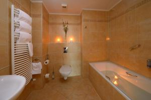 Holiday Beach Budapest Wellness Hotel with Sauna Park(Budapest)
