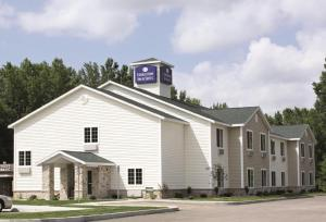 Cobblestone Inn and Suites - Brillion