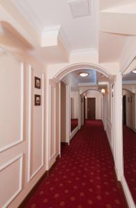 7 Sky Hotel Klinicheskaya Street