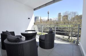 Woolloomooloo Self-Contained Modern Two-Bedroom Apartment (46SJY)