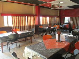 Crown Lodge Lilongwe, Chaty  Lilongwe - big - 23